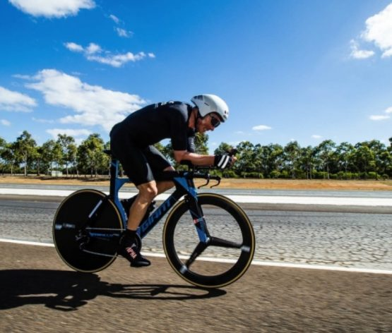 894 km en 24 horas!!… el nuevo récord del mundo de un campeón Ironman